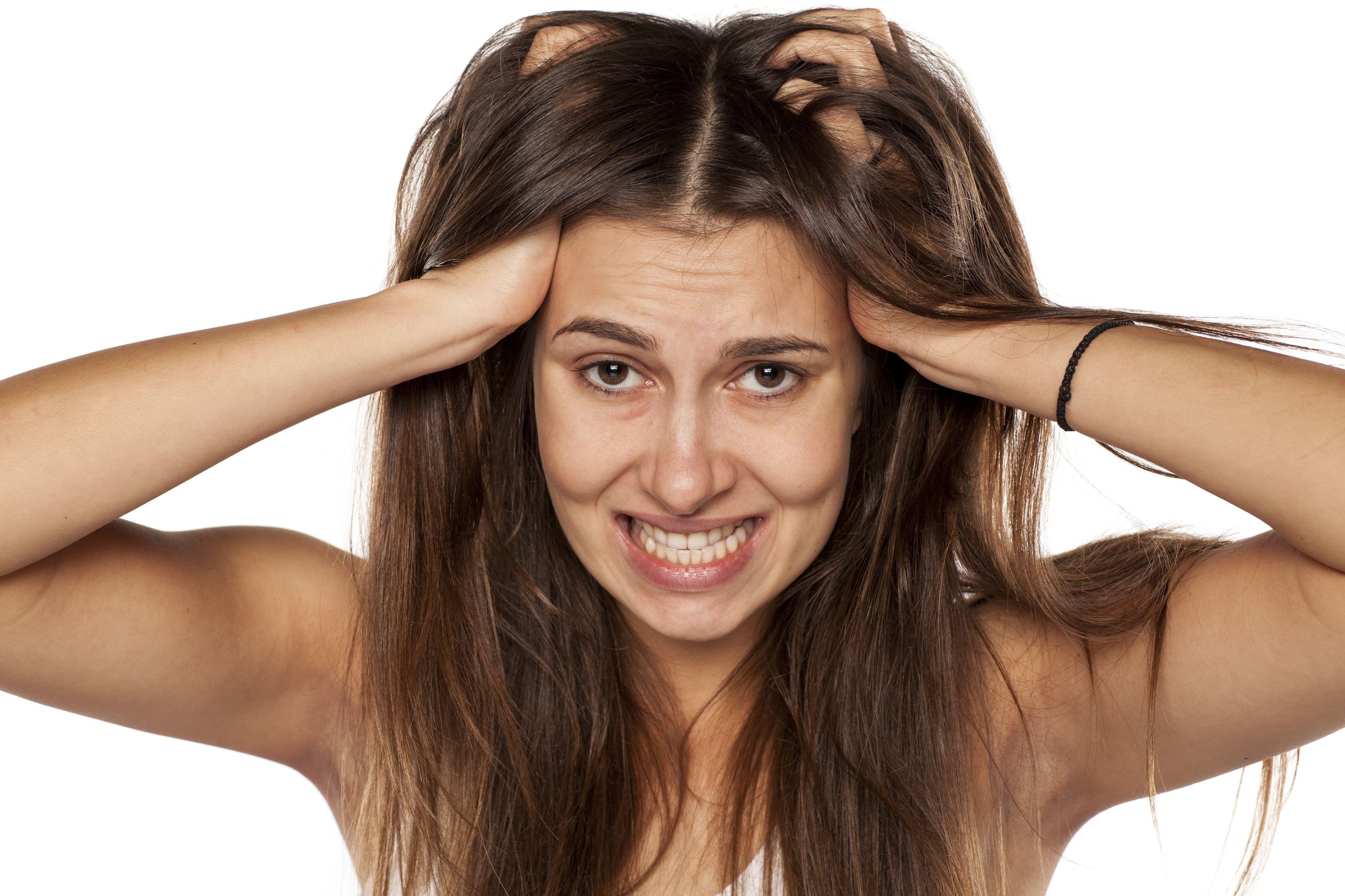 hogyan lehet enyhíteni a pikkelysömör fejbőrét mit kell tennie az arcon lévő vörös foltokból
