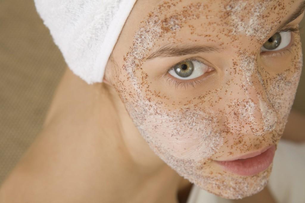 hogyan lehet megszabadulni a vörös foltoktól az arcon sérülés után vörös foltok a testen az arcon