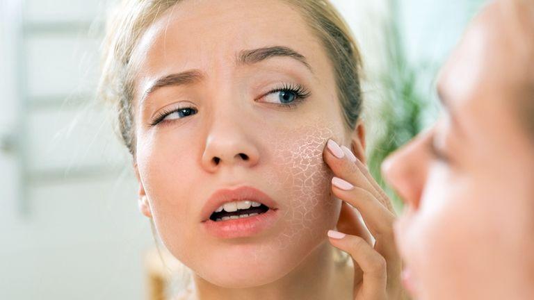 viszkető és viszkető arc vörös foltok a pikkelysmr kezelsnek oka